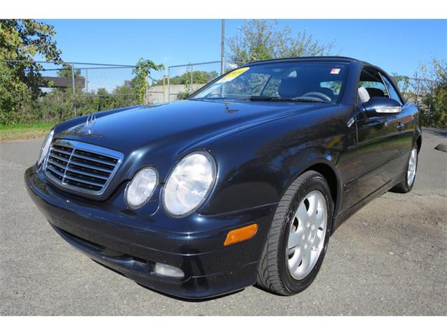 2005 Mercedes-Benz CLK320 | 913719