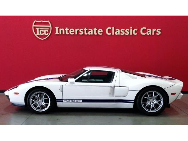 2005 Ford GT | 913867