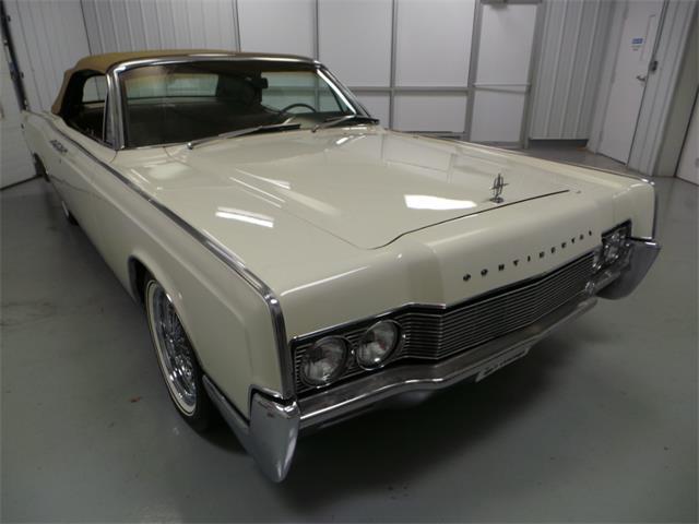 1967 Lincoln Continental | 913935