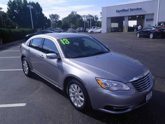 2013 Chrysler 200 | 910040