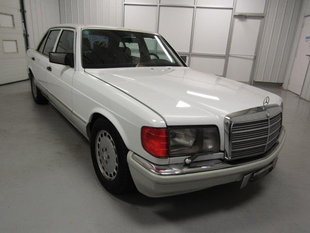 1989 Mercedes-Benz 560 | 914165