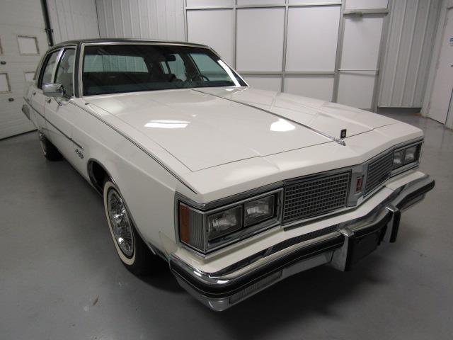 1983 Oldsmobile 98 | 914166