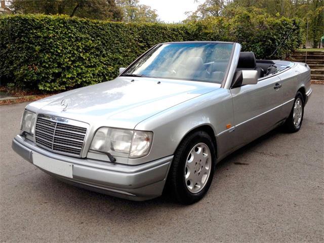1994 Mercedes-Benz E320 | 914454