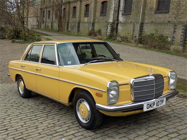 1975 Mercedes-Benz 200 | 914465