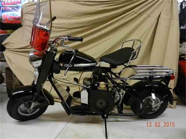 1960 Cushman Motorcycle | 915032
