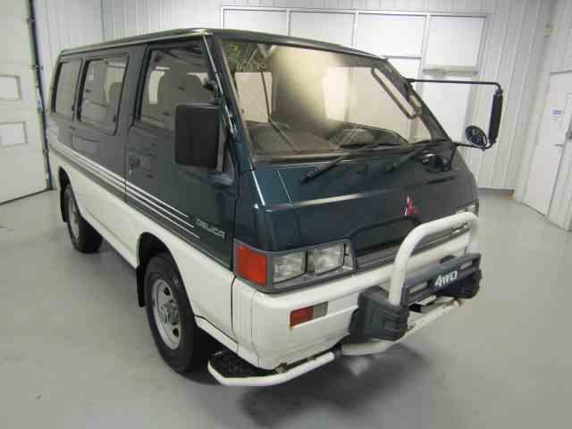 1989 Mitsubishi Delica | 915186