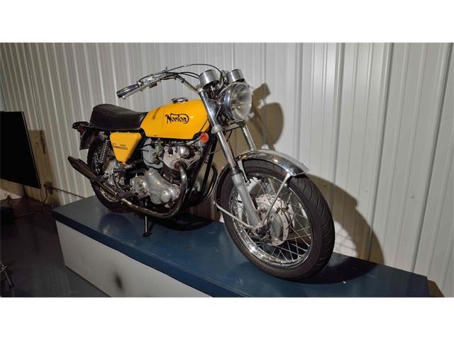 1972 Norton Commando | 915235