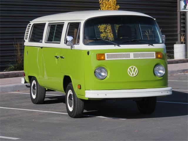 related keywords suggestions for old volkswagen bus. Black Bedroom Furniture Sets. Home Design Ideas
