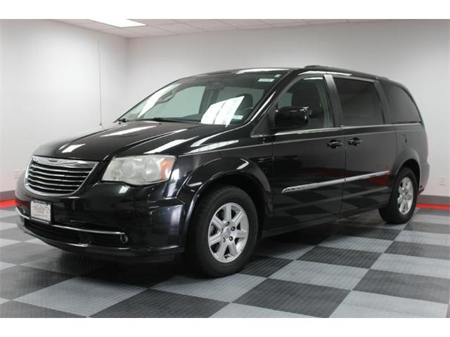 2011 Chrysler Town & Country | 915345