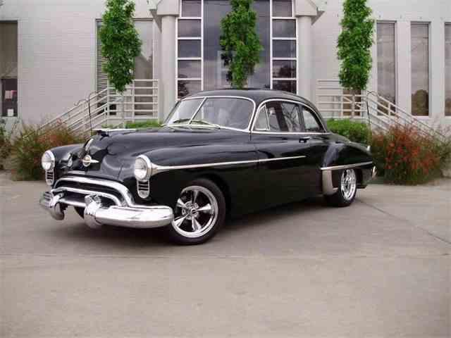 1949 Oldsmobile Custom Cruiser | 915346