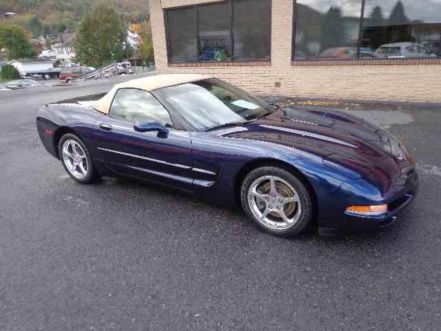 2001 Chevrolet Corvette | 915627