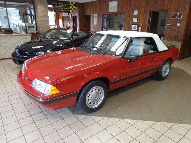 1988 Ford Mustang | 915670