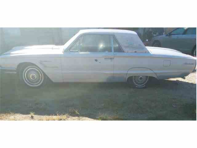 1966 Ford Thunderbird | 915686