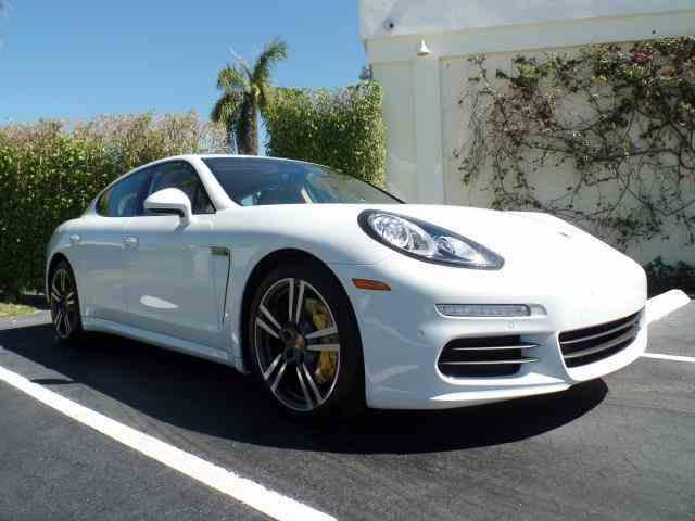 2014 Porsche Panamera   915725