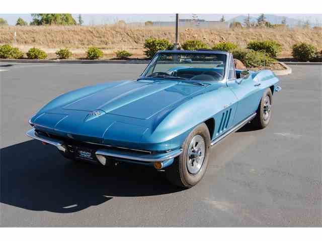 1965 Chevrolet Corvette | 915761