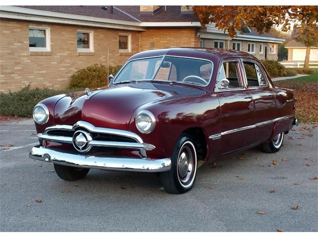 1949 Ford Custom | 915872