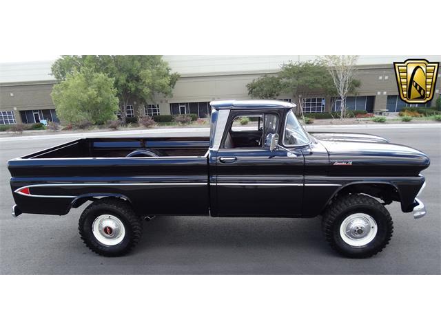 1961 Chevrolet Apache | 916098