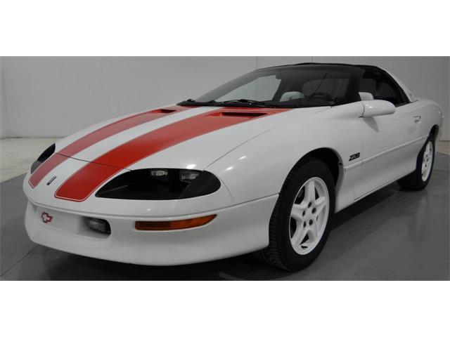1997 Chevrolet Camaro | 916116