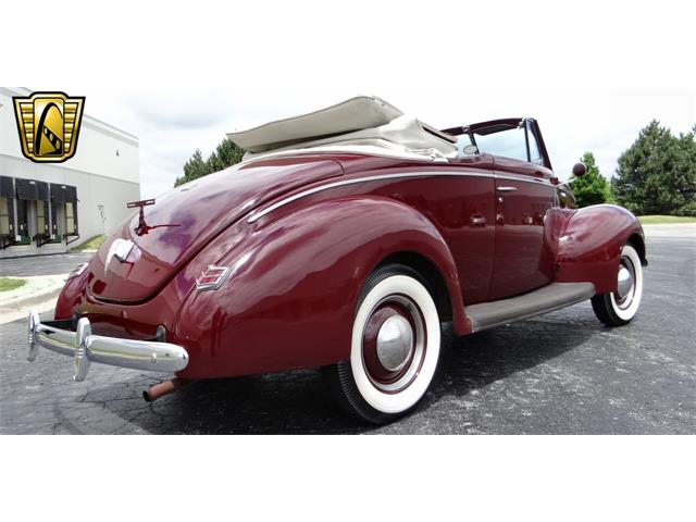 1940 Ford Deluxe | 916188