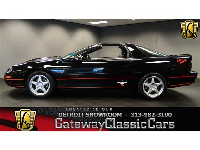 1999 Chevrolet Camaro | 916301