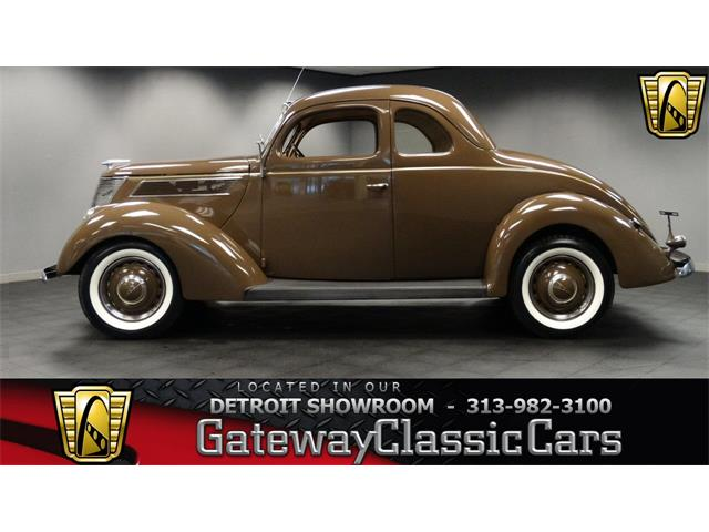1937 Ford Coupe | 916319