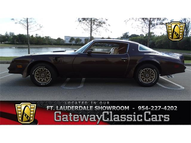 1977 Pontiac Firebird Trans Am | 916630