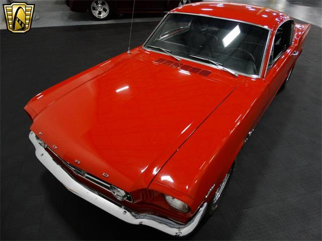 1965 Ford Mustang   916756