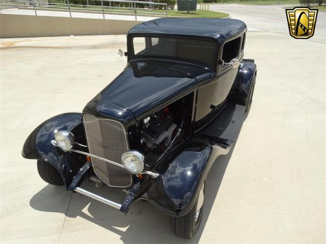 1932 Ford Coupe | 916796
