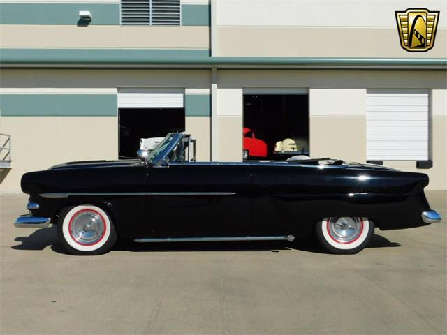 1952 Ford Sunliner | 916844