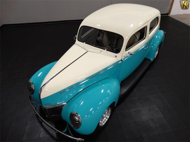 1940 Ford Sedan | 916857