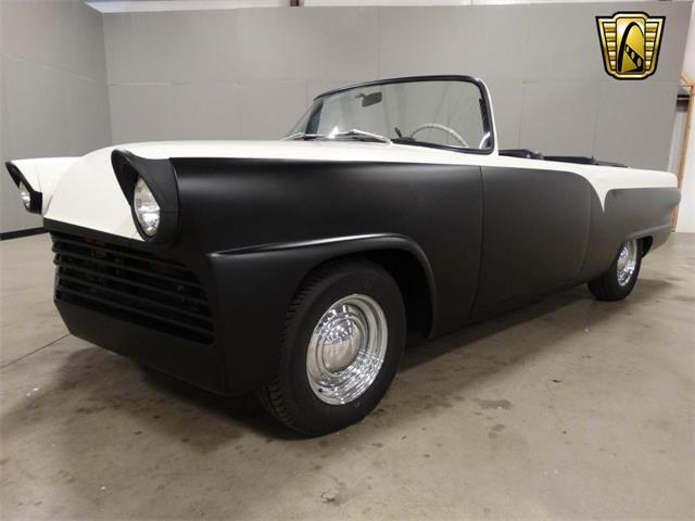 1955 Ford Fairlane | 916859