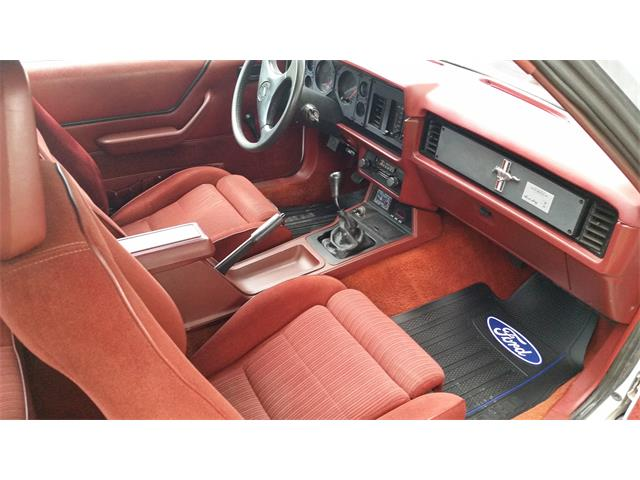 1984 Ford Mustang   910702