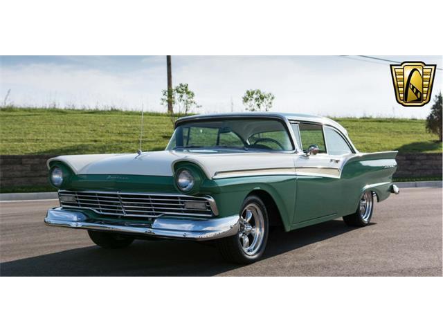 1957 Ford Fairlane 500 | 917079