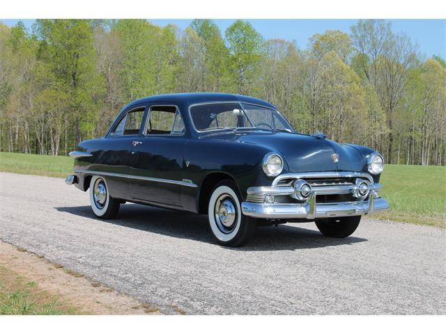 1951 Ford Tudor | 910720