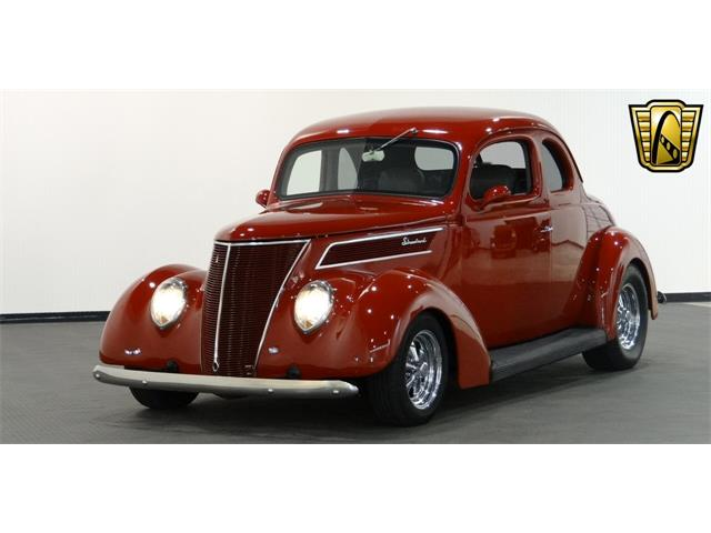 1937 Ford Coupe | 917222