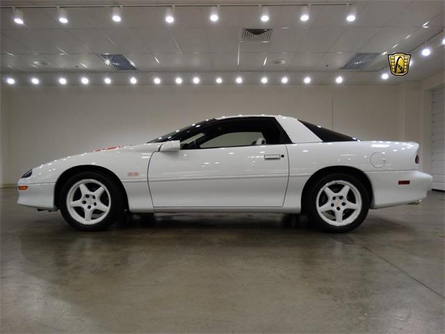 1997 Chevrolet Camaro | 917592