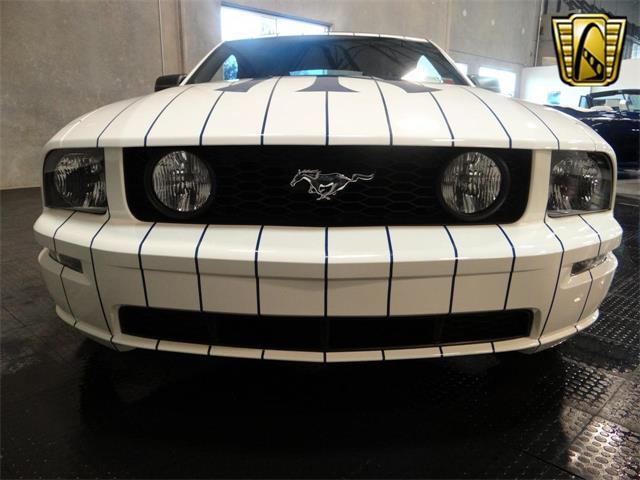 2005 Ford Mustang | 917763