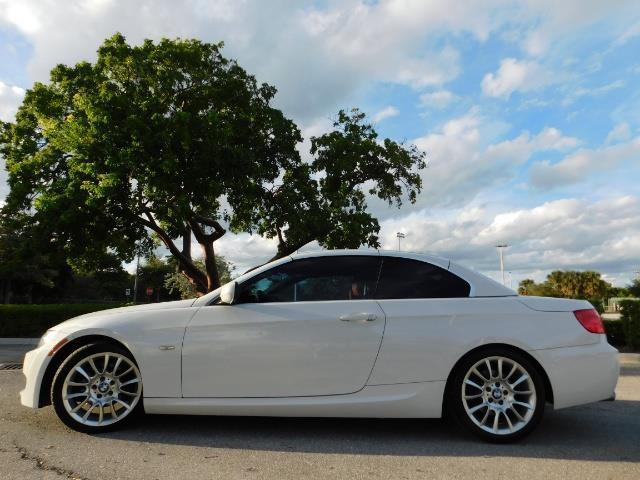 2011 BMW 328i | 917960