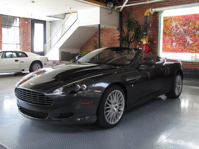 2010 Aston Martin DB9 | 918026