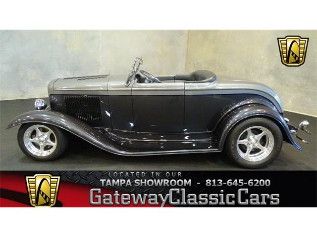 1932 Ford Roadster | 910090