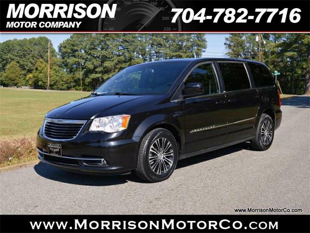 2013 Chrysler Town & Country | 919106