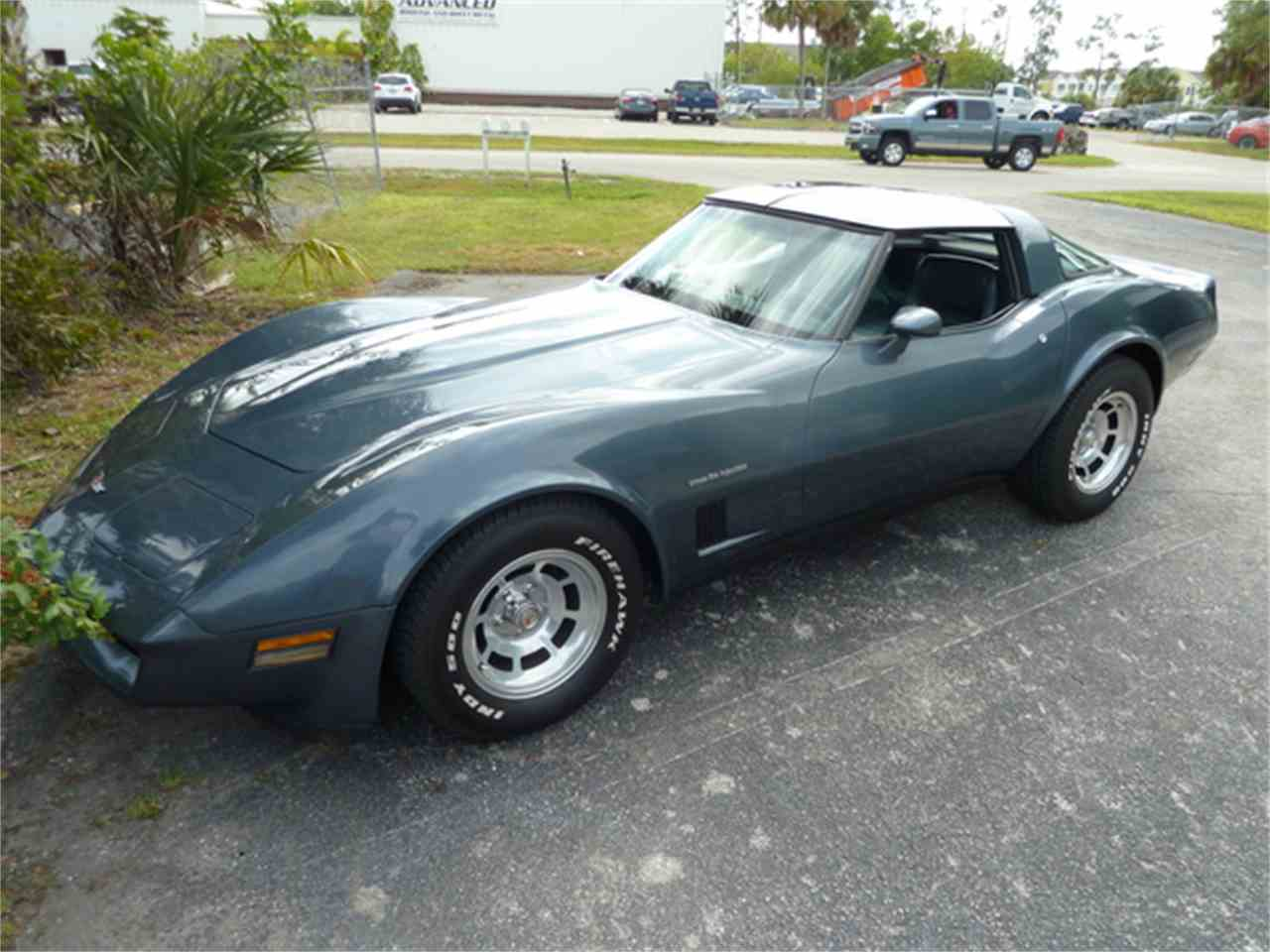 Large Picture of '82 Corvette - JPEJ