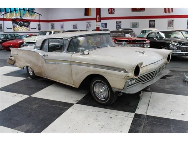 1957 Ford Fairlane 500 | 921056