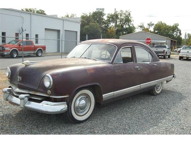 1951 Kaiser Deluxe 4-Door Sedan | 921213