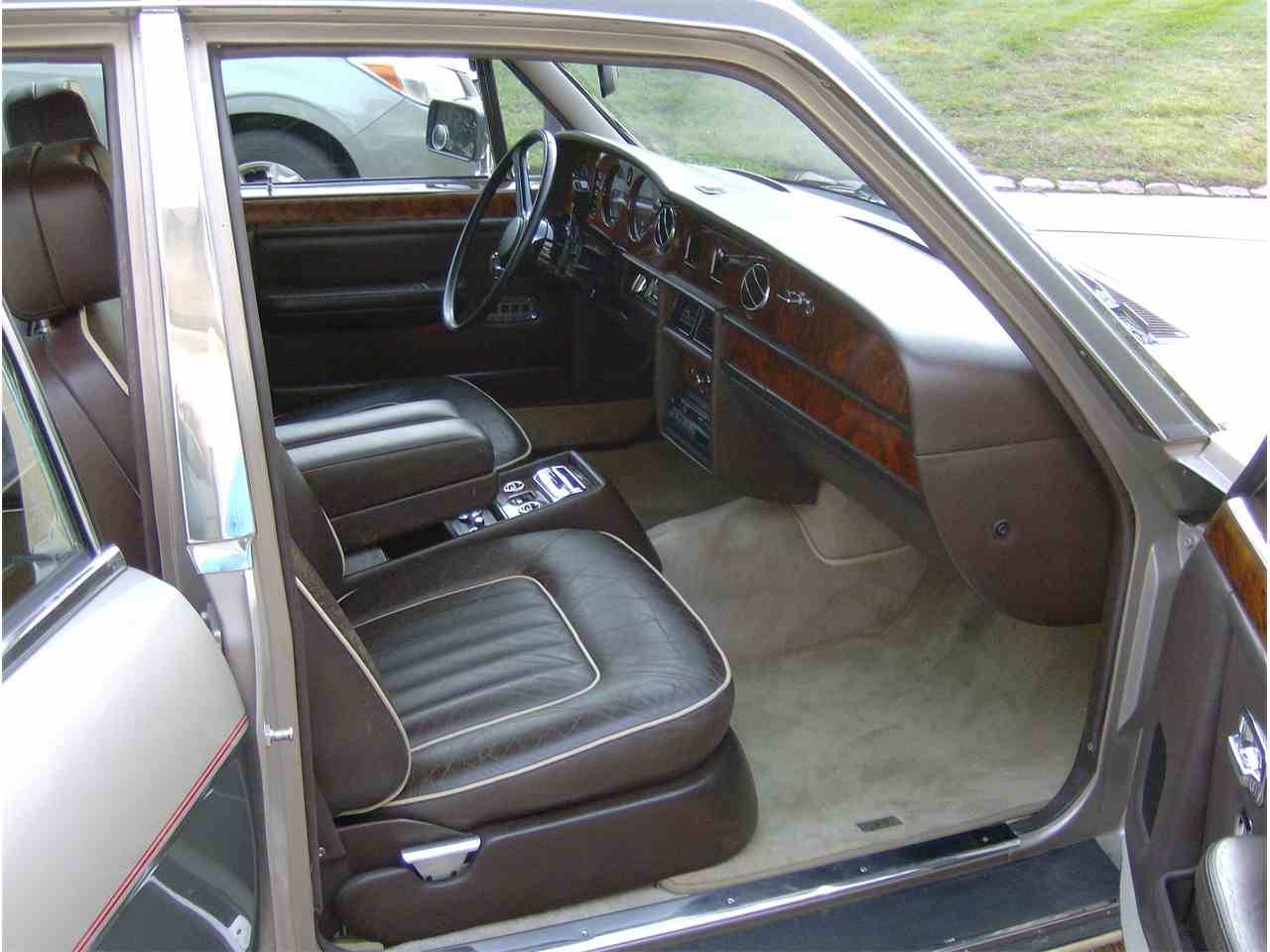 Large Picture of '86 Silver Spur - JQU6