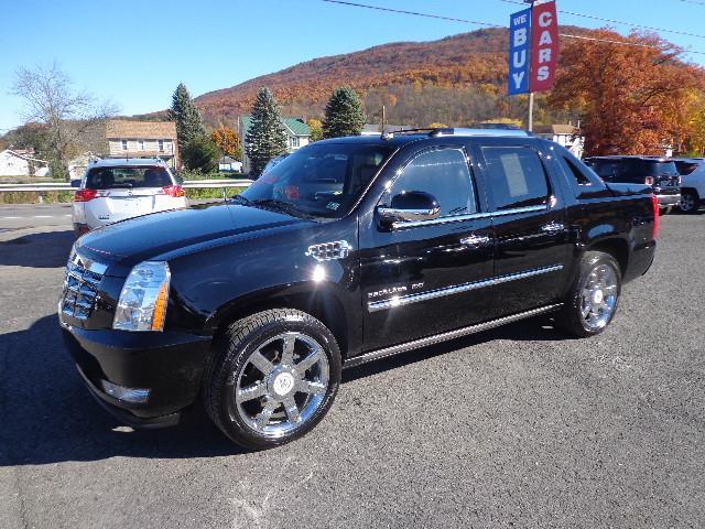 2011 Cadillac Escalade | 921261