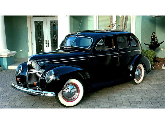 1939 Ford Deluxe | 921323