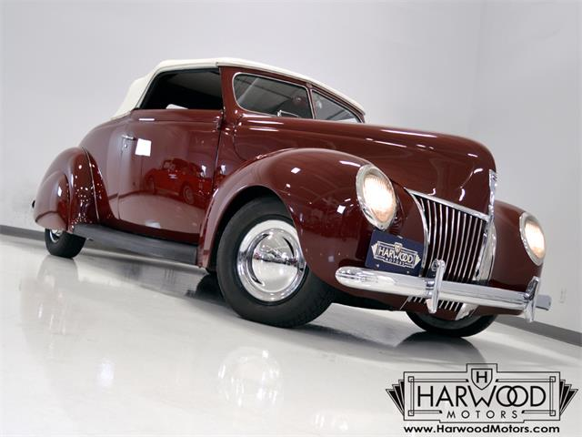1939 Ford Convertible | 921737