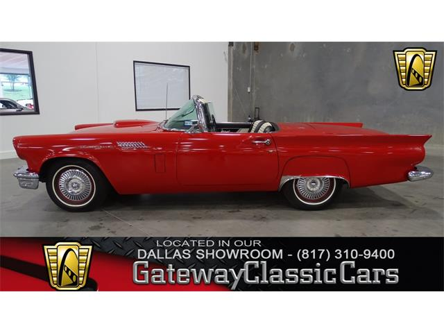 1957 Ford Thunderbird | 921838