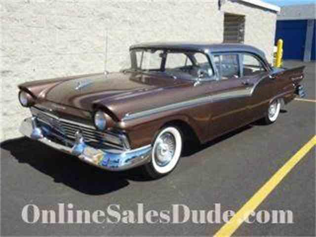 1957 Ford Fairlane 500 | 922247